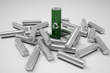 工信部苗圩:让新能源汽车生产者对动力电池回收负责