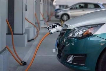 2017年1-12批新能源乘用车推荐目录分析:吉利入选车型最多,超一半拿1.1倍补贴