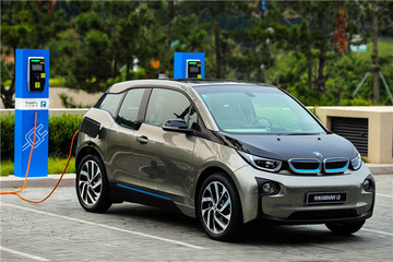 EV晨报 | 福建发布新能源车发展规划;8月合资进口新能源车销量出炉;现代被传或收购FCA