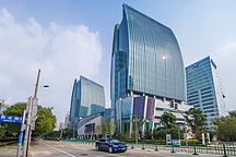 50台车可同时充电 特斯拉全球最大充电站上海揭幕