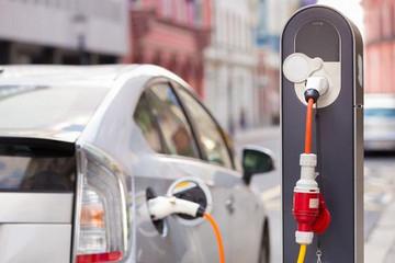 四大汽车巨头组建合资公司 搭建欧洲电动车充电网