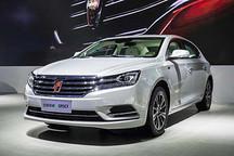 """荣威e950定义""""高级轿车""""  成都车展亮相补贴后21.99万"""