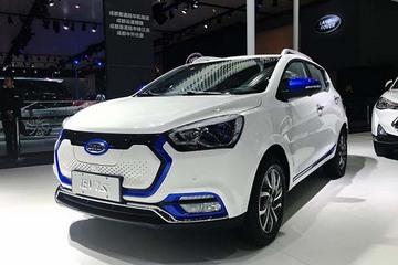 续航350km纯电动小型SUV 江淮iEV7S亮相成都车展