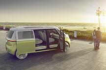 大众于圆石滩车展宣布将量产I.D.BUZZ系列车型