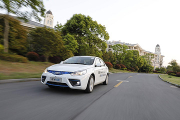 新车抢先看丨综合工况续航400km 江淮iEVA50将于北京车展上市