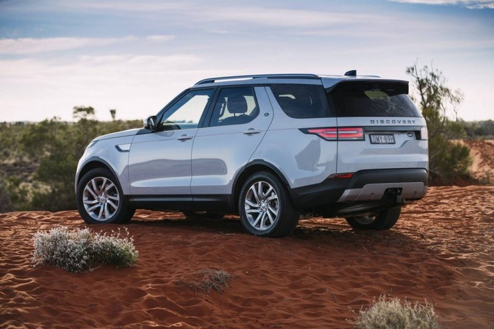 2018-Land-Rover-Discovery-Launch-Review-by-Practical-Motoring10