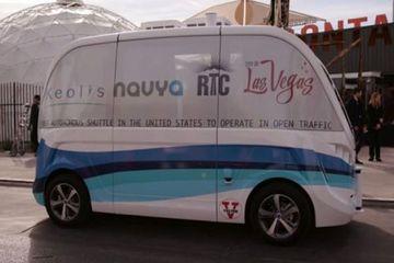 法国Navya在巴黎测试无人驾驶巴士 拟在美国销售