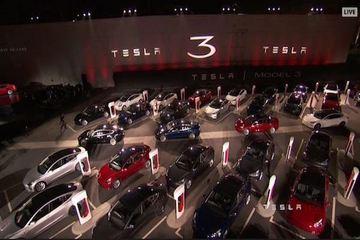 """直击特斯拉Model 3交车仪式:一场盛大的粉丝""""party"""""""