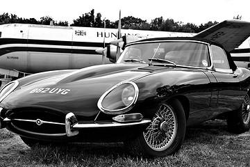 复刻60年代最优美跑车 捷豹E-Type Zero Concept纯电动车发布