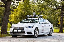 """丰田展示其最新自动驾驶技术,改良版车型独创""""双方向盘""""设计"""