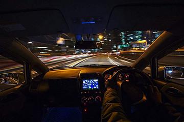 三菱也玩车灯,效果酷炫还能提高夜间行车安全性