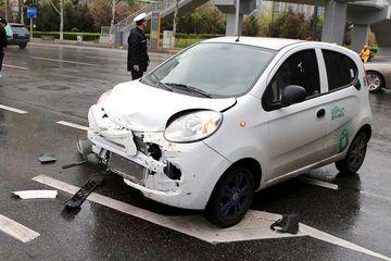 共享汽车出事故,折旧费该谁出?法律界对此也存分歧