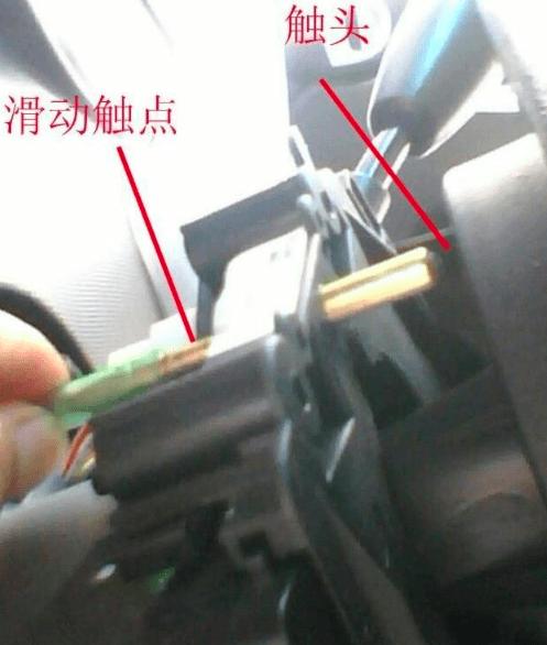 汽车方向盘转动异响怎么回事?汽车打方向有咯噔异响