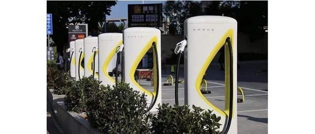 充电站VS换电站,哪种方式的运营成本更高?