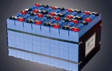 """长续航动力锂电池:新能源汽车的""""未来芯"""""""