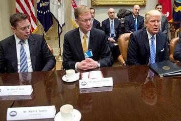 """贸易政策不公平?马斯克要求特朗普向中国""""施压"""""""