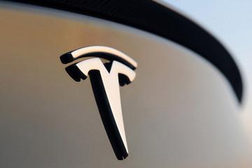 EV晨报丨北京新能源指标超23万;特斯拉计划在华召回超8千辆Model S;工信部或将劝退60家车企