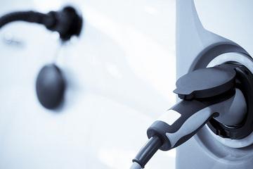 潮州新能源汽车号牌正式启用 充电桩已安装落地