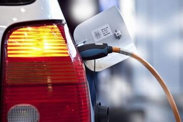 广州限牌,车市影响几何?新能源车受益