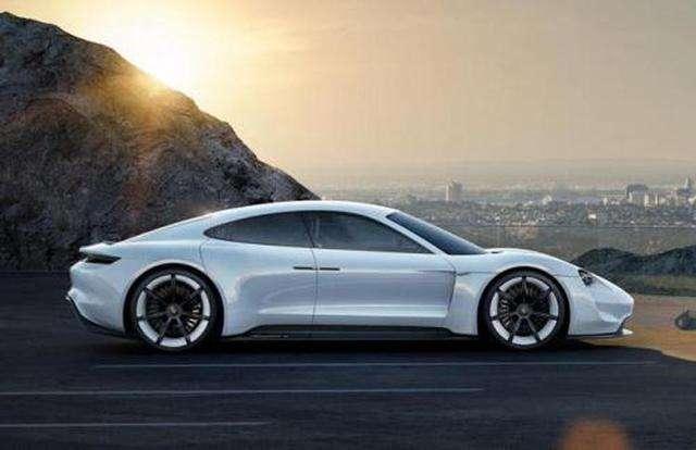2020年量产,外媒如何看待保时捷纯电动车型Taycan?