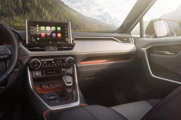 苹果新车载系统更新,多程序可同时运行