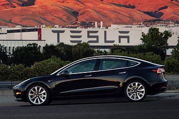 11月新能源车销量排行出炉,特斯拉仅为第二,第一出乎意料