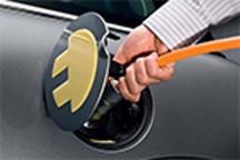 我国已建成电动汽车公共充电桩近20万个