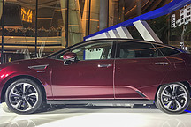 实拍本田氢燃料电池车 CLARITY  最大续航 750km