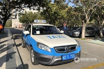 换出一片蓝天 北汽新能源厦门投放500辆换电出租车