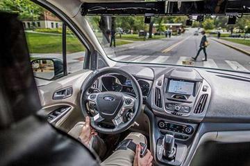 福特自动驾驶汽车发生事故 两人受伤入院