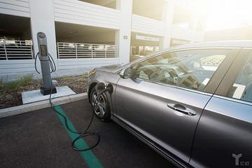 电池工业一天没有突破性进展,纯电动汽车就不可能超过燃油车