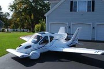 有人想让汽车无人化,还有人想让汽车飞起来