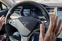 Elon Musk : 尽快更新特斯拉的自动驾驶功能