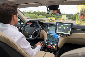 无人车年度报告:谷歌领先、特斯拉失声、FF违规