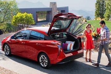 丰田在去年卖出了 152 万台新能源车,都有哪些车型贡献了销量?