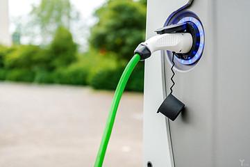 国产新能源汽车眼看要黄?千亿补贴将打了水漂?