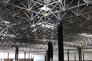 爱驰汽车上饶工厂正式封顶 年产 30 万辆车型