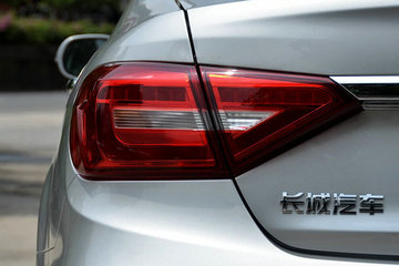去年董事长自罚年薪300万,今年长城汽车销量达标仍堪忧?