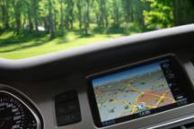 """从底特律到硅谷的自动驾驶商业战:谁能最快""""消灭""""方向盘?"""