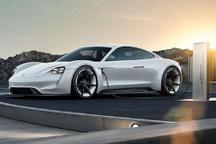 巅峰对决 保时捷发布纯电跑车Mission E 对标特斯拉Roadster