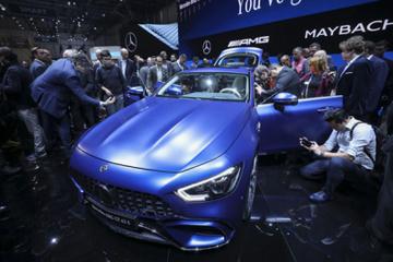 不只是电动车,奔驰宝马已经瞄准10万美元轿跑市场