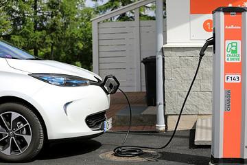 新能源客车寡头市场形成,企业应如何应对?