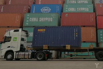 图森未来发布全球首个无人集卡车队港内测试视频,中美两地实现商业化
