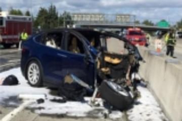 Model X已故车主家属起诉:责任在特斯拉Autopilot