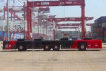 扔掉驾驶舱,青岛港区跑起一辆解放牌自动驾驶卡车