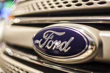 """传统车企寻求转型是大势所趋,但福特的策略是否有些""""冒进""""?"""