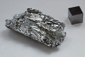 三元锂电池材料配方迎革命;少钴成大势 无钴很遥远