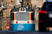 """从""""电动巴士""""到""""电动城市"""" 瑞典力推可持续交通"""