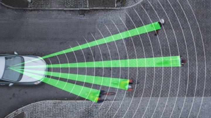 丰田:行人检测系统有盲区 自动驾驶推广需谨慎