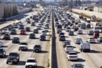 特朗普或于近日宣布废除加州制定燃油标准的权力
